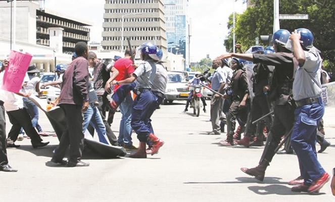 'When police say move, you move comrades,' MISA Zimbabwe tells journos
